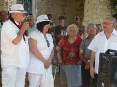 2012 cadeau au maire de Camplong [1600x1200].JPG